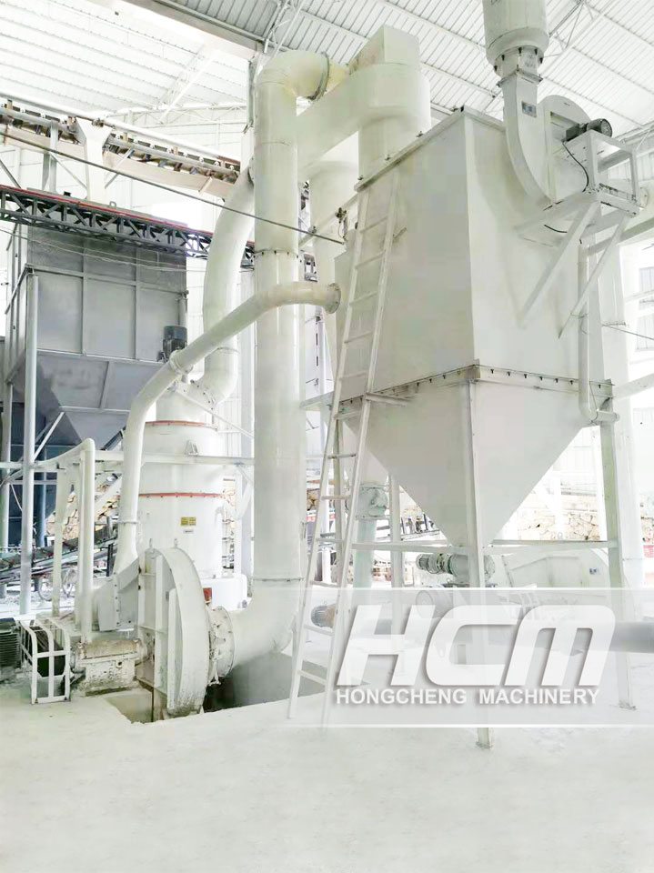 What kind of grinding mill can reach the annual production capacity of more than 20,000 tons of sili